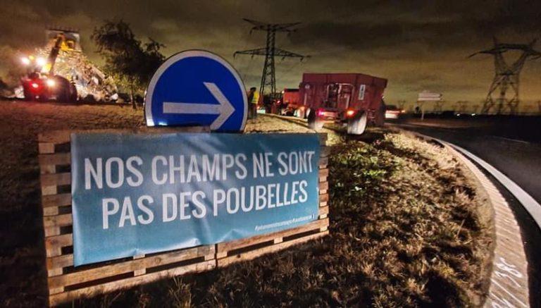 Action syndicale : «Nos champs ne sont pas des poubelles !»
